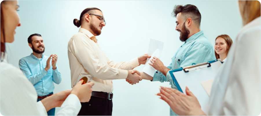 how to recognize employees